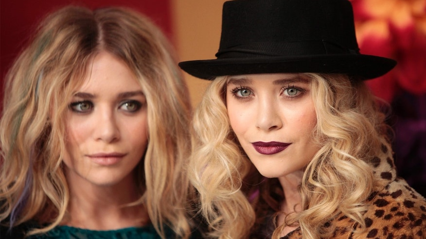 Actresses Ashley Olsen (L) and Mary-Kate Olsen