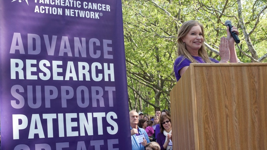 Lisa Niemi speaks at a PANCAN event