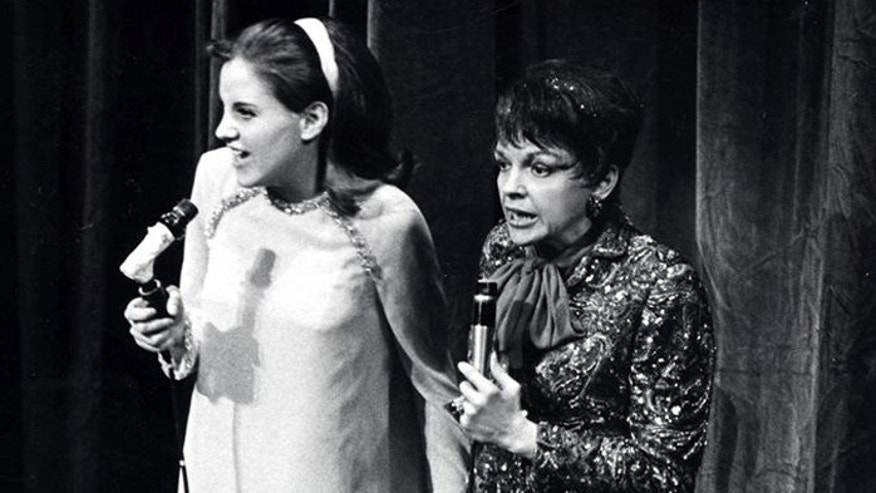 Lorna with her mother Judy Garland on the Judy Garland Show