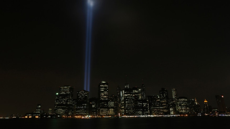 The Tribute in Lights illuminates the sky over Lower Manhattan on the 12th anniversary of the 9/11 attacks in New York September 11, 2013. (REUTERS/Brendan McDermid)