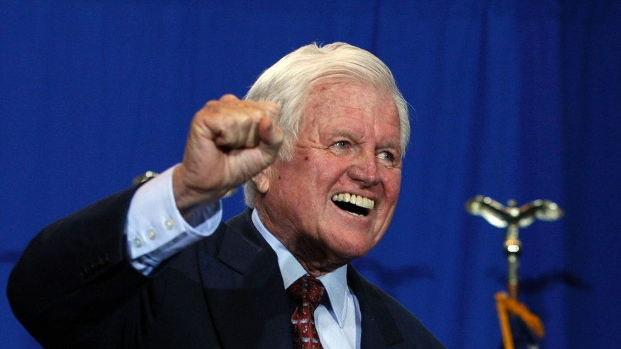 U.S. Senator Ted Kennedy reacts after President Barack Obama signed H.R. 1388, the Edward M. Kennedy Serve America Act in 2009. Kennedy passed away later that year from a deadly type of brain cancer that doctors are just now learning how to treat. (REUTERS/Jason Reed)