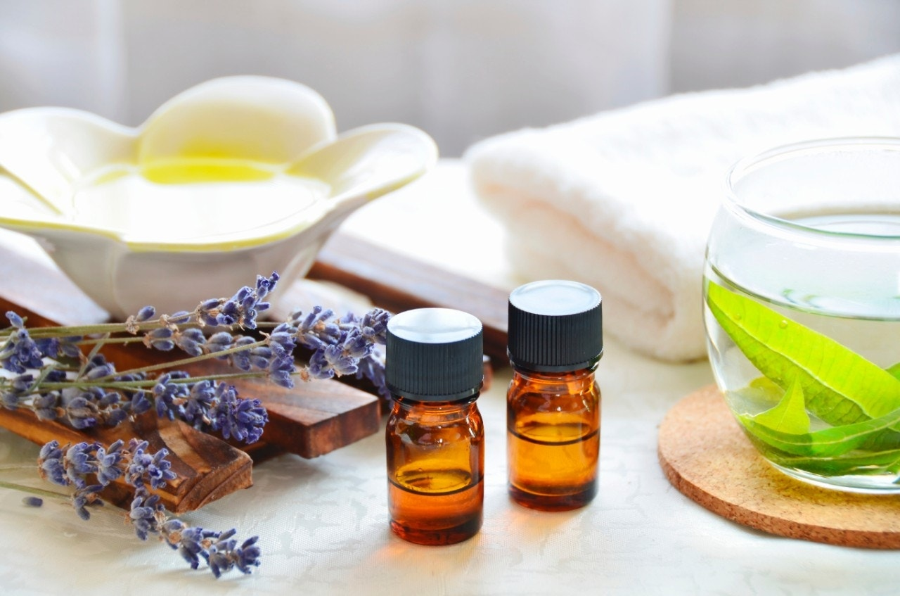How aromatherapy can improve your health and how to use it ...