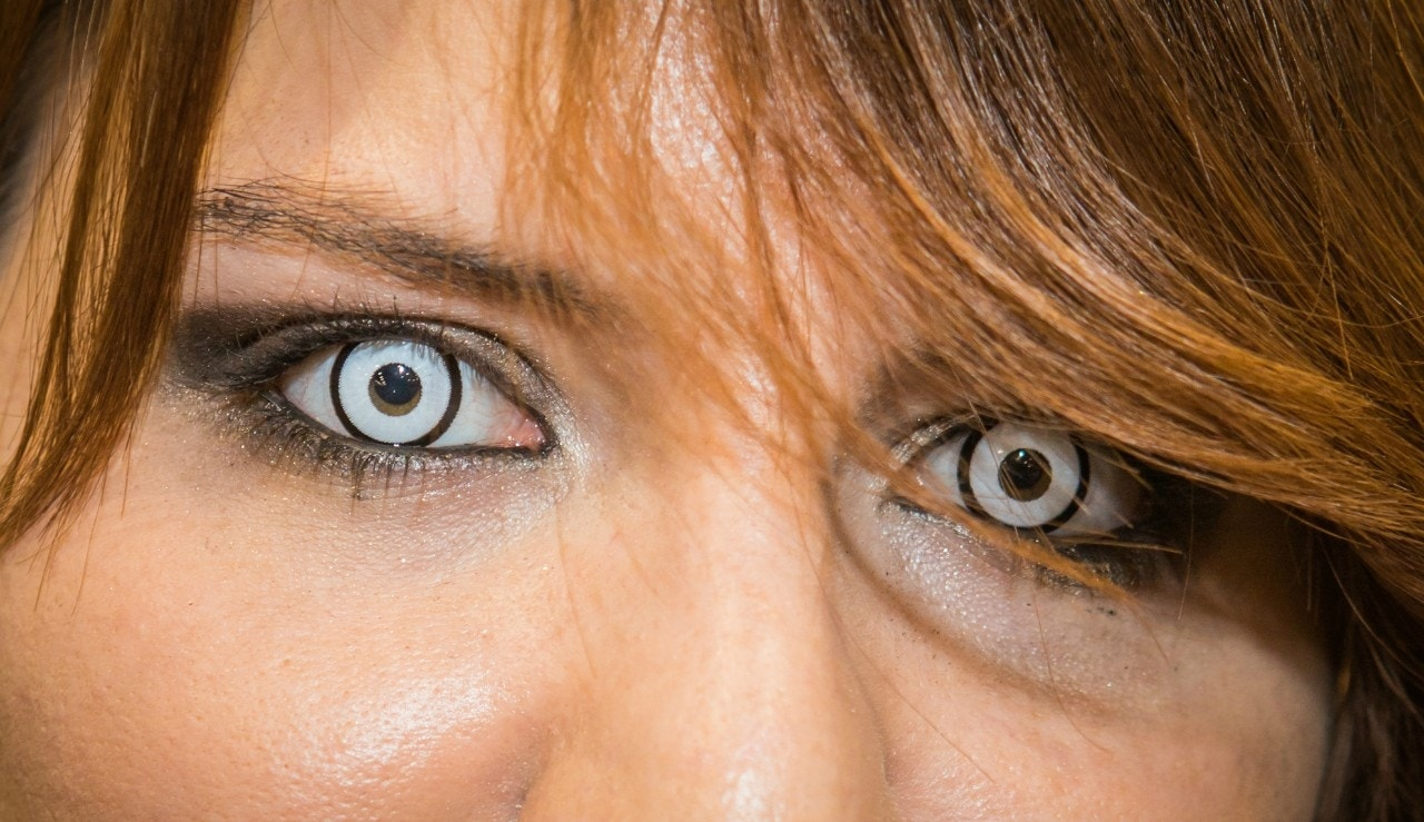 Decorative Contact Lenses Get Horror Story Warning From