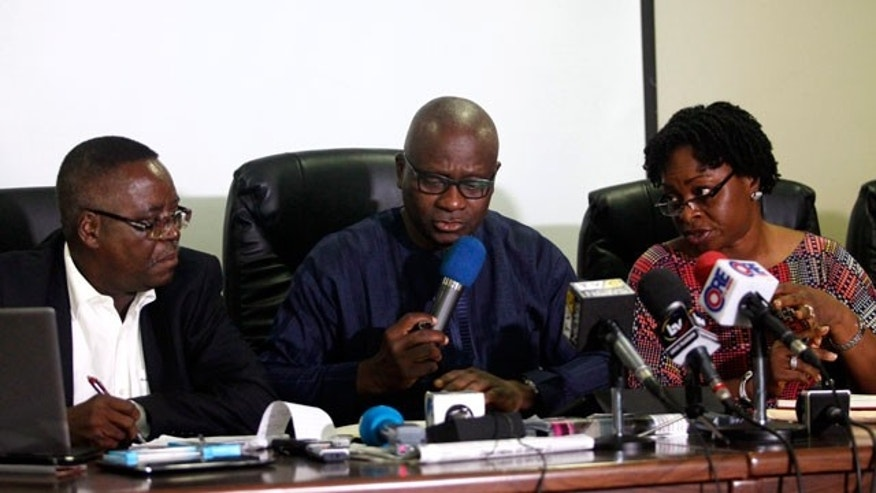 (From L to R) Abdulsalami Nasidi, director of the Nigeria Centre for Disease Control (NCDC), Lagos state health commissioner Jide Idris and Lagos Special Advisor on Health Yewande Adesina, speak about the update on the Ebola outbreak during a news conference in Lagos July 28, 2014. The Nigerian city of Lagos on Monday shut down and quarantined a hospital where a man died of Ebola in the first recorded case of the highly infectious disease in Africa's most populous country. Patrick Sawyer, a consultant for the Liberian finance ministry in his 40s, collapsed on arrival at Lagos airport on July 20 and was put in isolation at the First Consultants Hospital in Obalende, one of the most crowded parts of a city that is home to 21 million people. He died on Friday. REUTERS/Akintunde Akinleye