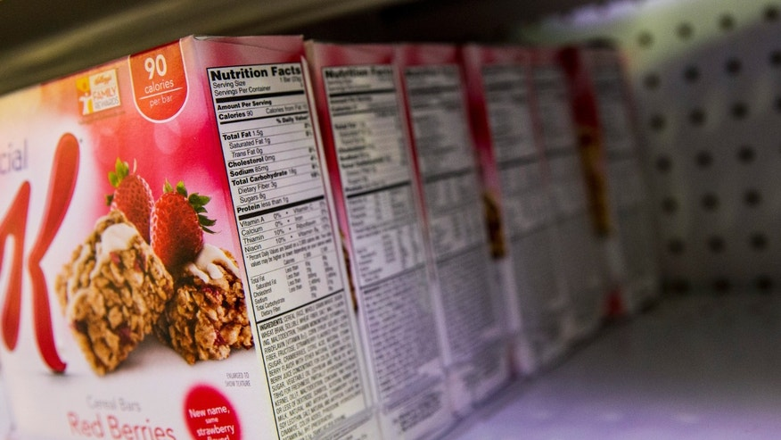 The Nutrition Facts label is seen on a box of Cereal Bars at a store in New York February 27, 2014. (REUTERS/Brendan McDermid)