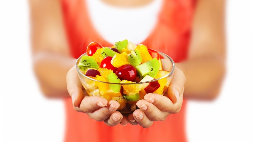 Eating fruit in early life may decrease breast cancer risk & # x3b; drinking more in midlife may increase risk