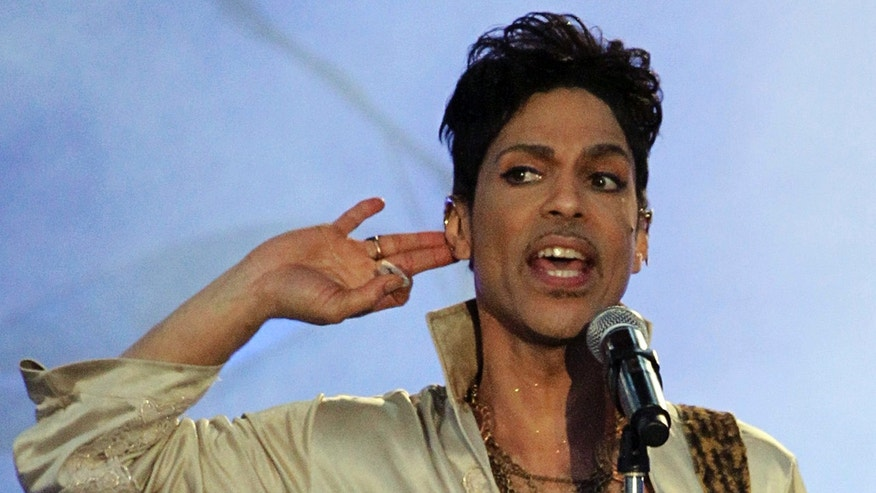 Prince performs at the Hop Farm Festival near Paddock Wood, southern England July 3, 2011.