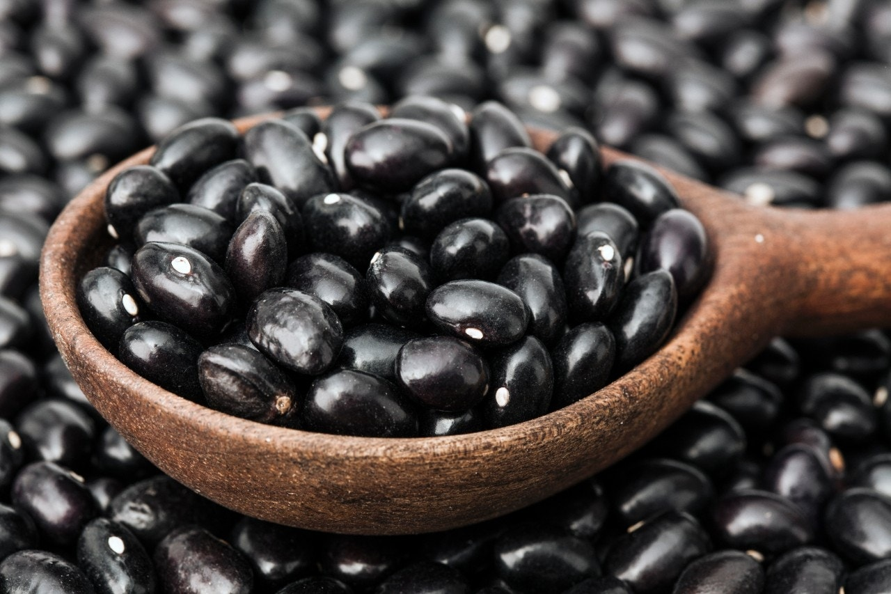 Several canned black beans recalled after inspectors find ink pen in product | Fox News