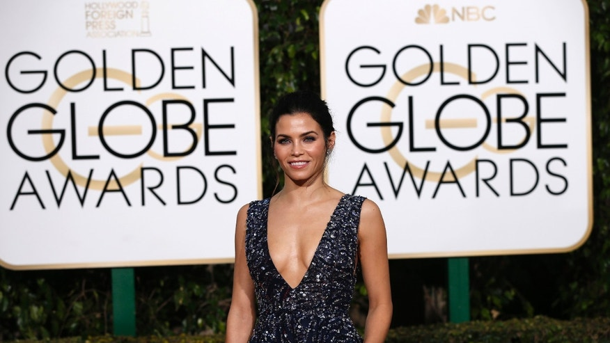 Actress Jenna Dewan-Tatum arrives at the 73rd Golden Globe Awards in Beverly Hills, California January 10, 2016.  REUTERS/Mario Anzuoni - RTX21RW6