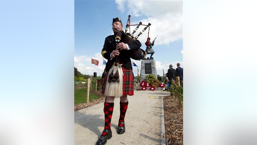Bagpipe lung is being blamed for the death of a musician in Britain. Mold and fungus can grow in the instrument and trigger a fatal lung condition, doctors say.