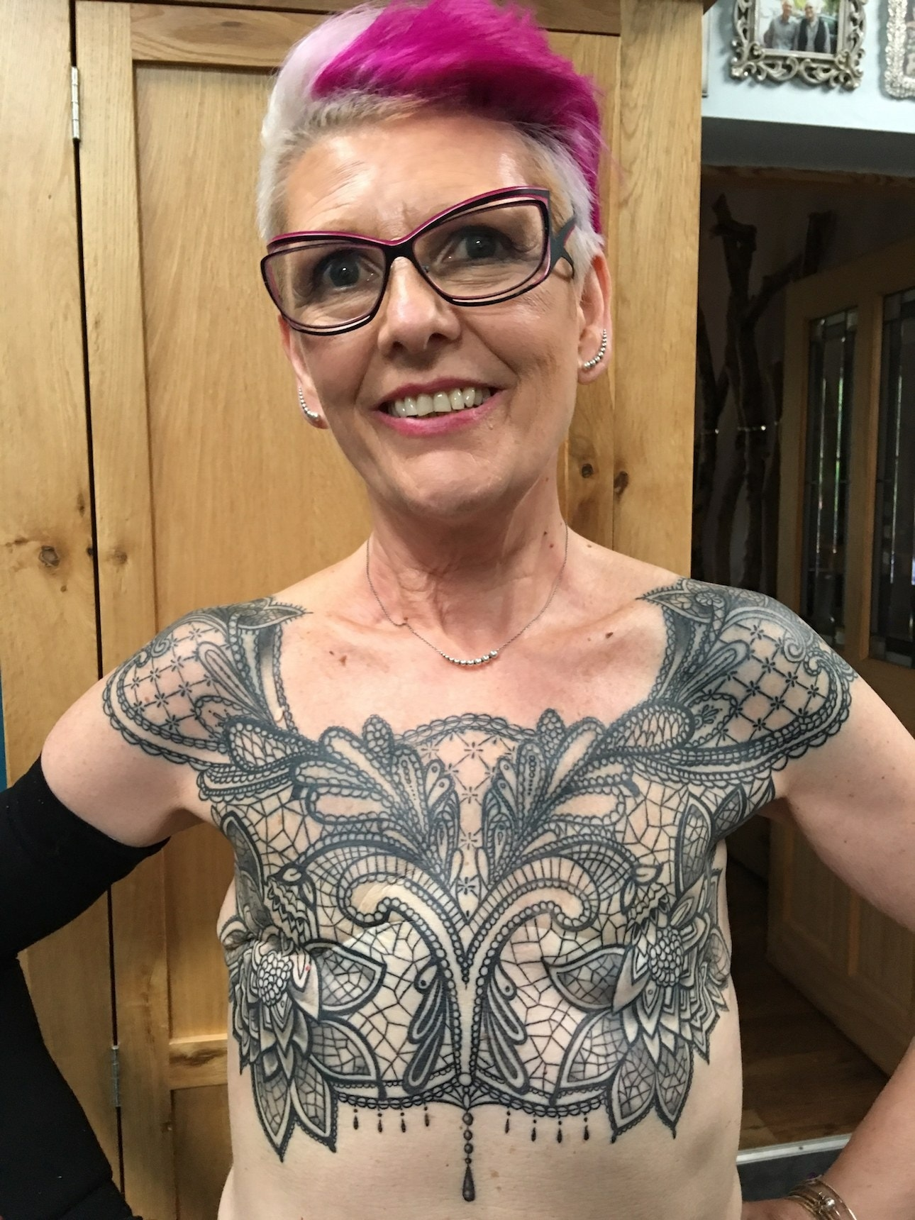 Chest Female Tattoo: 5 Years After Remission, Woman Gets Mastectomy Tattoo On