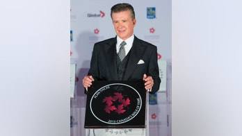 Actor Alan Thicke stands by his star during Canada's Walk of Fame induction ceremonies in Toronto, September 21, 2013.  REUTERS/Mark Blinch     (CANADA - Tags: ENTERTAINMENT) - RTX13TYB