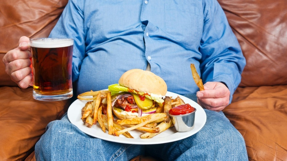 Cornell University researchers found that packing on pounds seems to dull people's sense of taste.