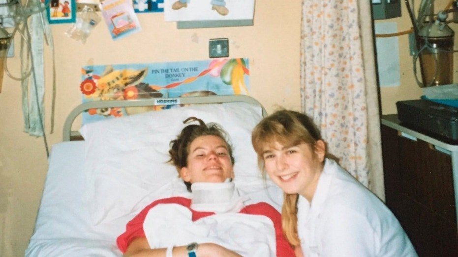 Liz Brown, now 43, said that nurse Debbie Bye, pictured by her side in 1989, helped her cope after she was told she was dying.