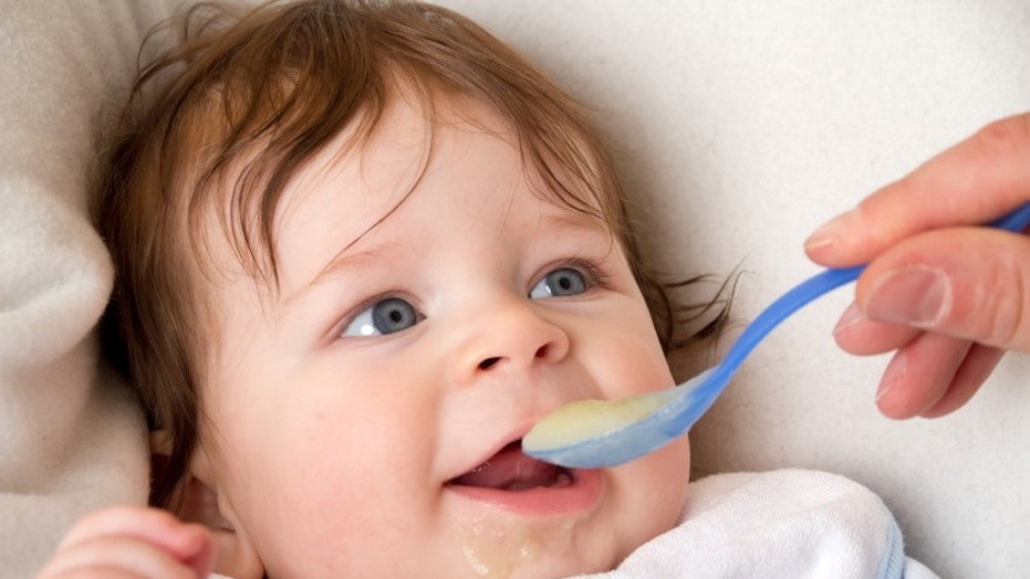 Michael Perkin, of the Population Health Research Institute and St. George's Hospital, both in London, said results from the new analysis suggest that better sleep could be another benefit of starting solids early.