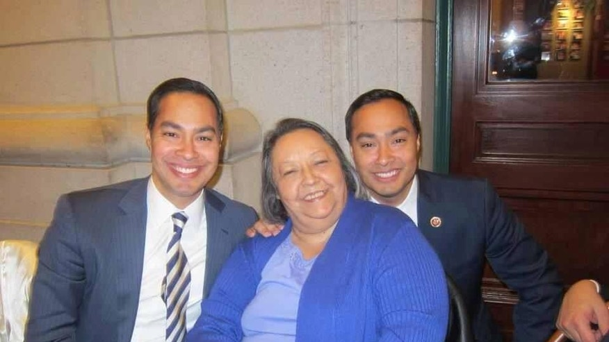 Rosie Castro and her sons, Julian (l) and Joaquin (r).