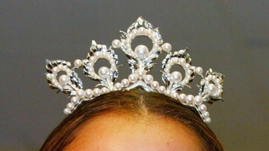 The Miss USA crown on top of 2003 Miss USA, Susie Castillo, August 6, 2003. (Photo by Matt Peyton/Getty Images for Disney)