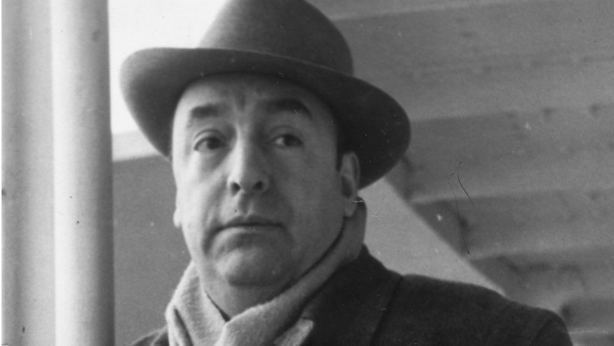 18th January 1952:  Chilean poet Pablo Neruda (1904 - 1973) arriving in Capri after receiving permission to stay in Italy.  (Photo by Keystone/Getty Images)