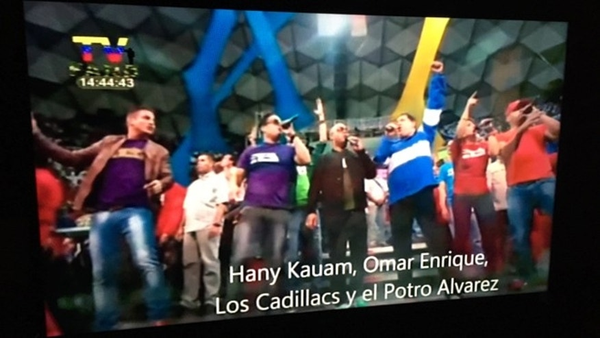 One of the music videos transmitted by government-run stations shows Chávez dancing and singing with Hany Kauam, Omar Enrique, Los Cadillas and Antonio Álvarez during Chávez's final electoral campaign.