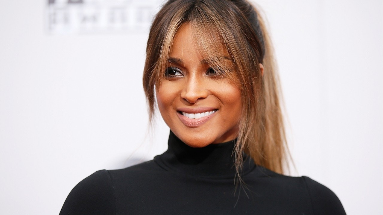 Why Tracking Your Weight Loss On Social Media( Like Ciara) Is Actually Really Helpful