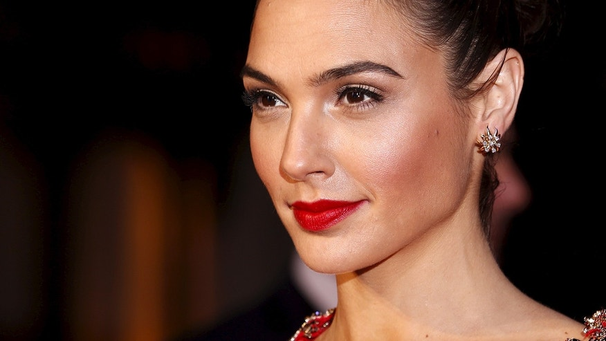 See what Gal Gadot and other celebs look like without makeup