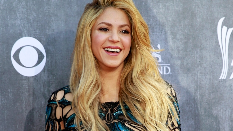 Shakira Is Barely Recognizable With Fiery New Red Hair Color Fox News