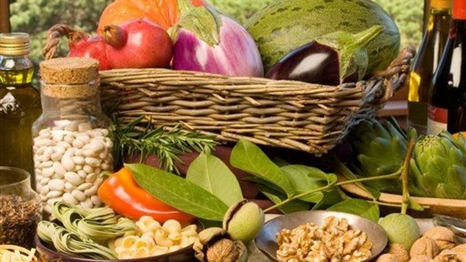 A new study suggests the Mediterranean diet works best for the wealthy.