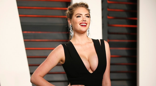 Model Kate Upton arrives at the Vanity Fair Oscar Party in Beverly Hills, California February 28, 2016.  REUTERS/Danny Moloshok - RTS8IJ2