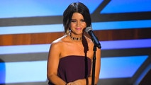 "11TH Annual ACM Honors – Show – Nashville, Tennessee, U.S., 23/08/2017 - Maren Morris performs ""Galveston"" in a tribute to the late Glen Campbell. REUTERS/Harrison McClary - HP1ED8O068G8K"