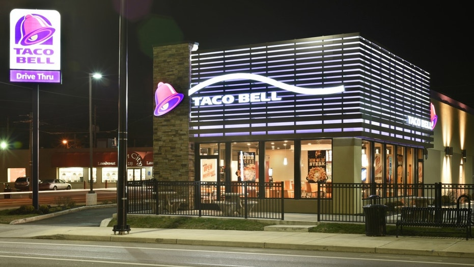 A Florida couple decided to end their wedding night at Taco Bell.