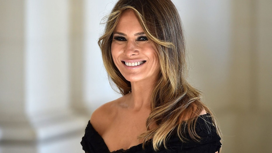 The First Lady Wore The Right Color For A Meal At The Blue House
