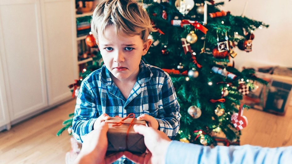 8 of the worst Christmas gifts real people actually ...