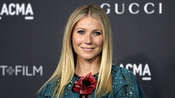 Actress Gwyneth Paltrow arrives at the LACMA Art + Film Gala in Los Angeles, California, November 7, 2015. REUTERS/Jonathan Alcorn - RTS5ZI9