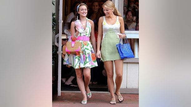 """PORT WASHINGTON, NY - JUNE 25: Leighton Meester and Blake Lively on location for """"Gossip Girl"""" on June 25, 2008 in Port Washington, New York. (Photo by James Devaney/WireImage)"""