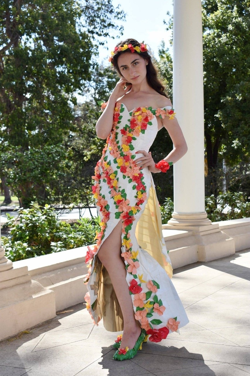 Girl\'s floral Duck Tape prom dress may earn her $10K | Fox News