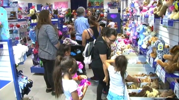 Build-A-Bear closes lines for 'Pay Your Age' sale at US stores amid chaos – Trending Stuff