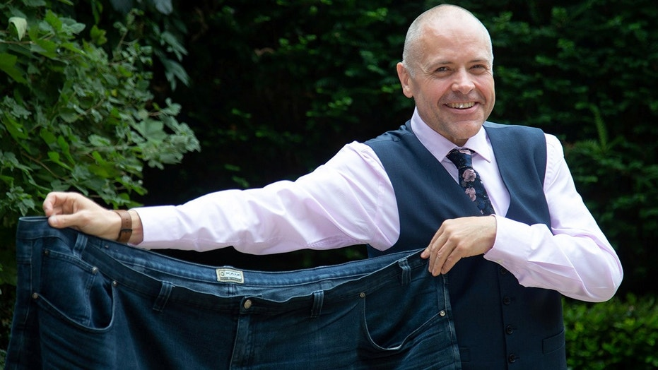Man loses 280 pounds in two years after walkin