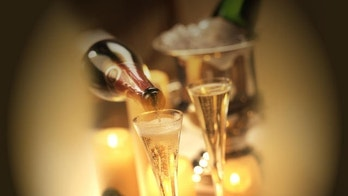 Perrier-Jouet Guide to Toasting the Holidays. (PRNewsFoto/Perrier-Jouet)