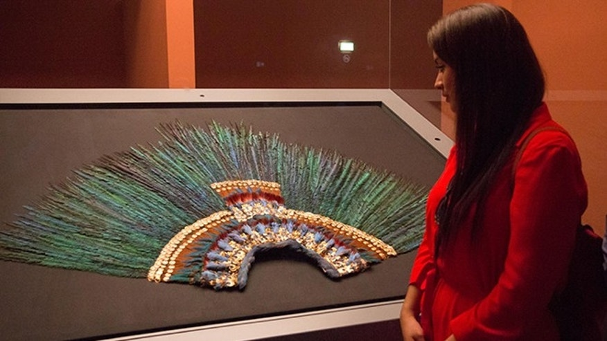 Paola Fuentes managed to see the original Penacho prior to the Weltmuseum's closing in November 2014. (Photo: Milady Nazir/Fox News Latino)