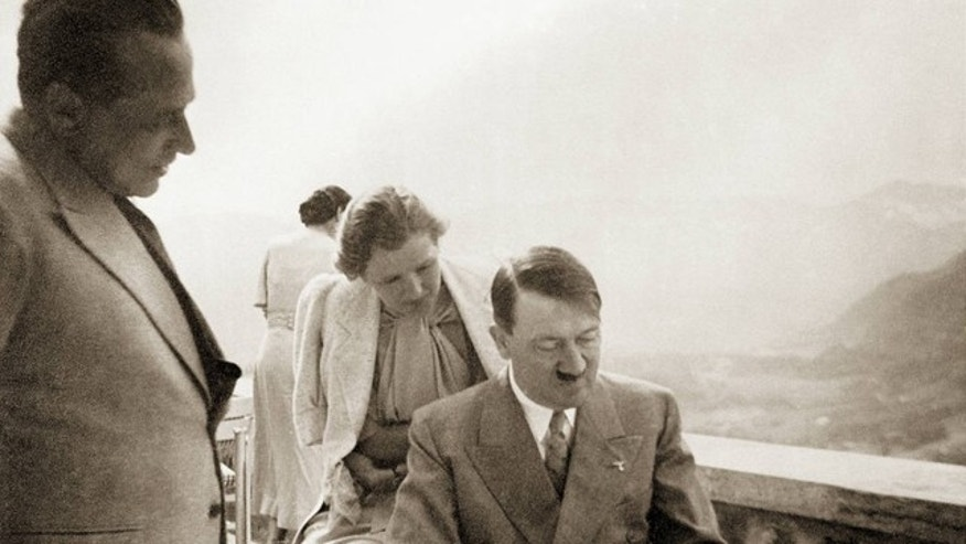 A previously unseen photo shows Eva Braun and Adolf Hitler.