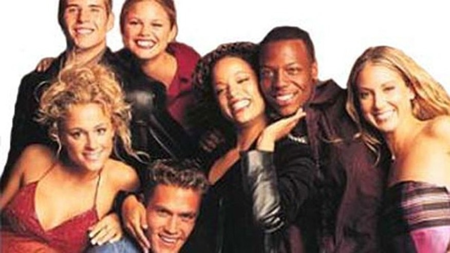 Tonya Cooley (far left) and the cast of 'Real World Chicago'.