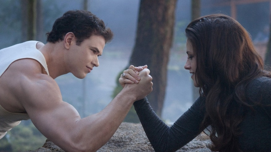 (L-R) KELLAN LUTZ and KRISTEN STEWART star in THE TWILIGHT SAGA: BREAKING DAWN-PART 2Ph: Andrew Cooper, SMPSP© 2011 Summit Entertainment, LLC.  All rights reserved.