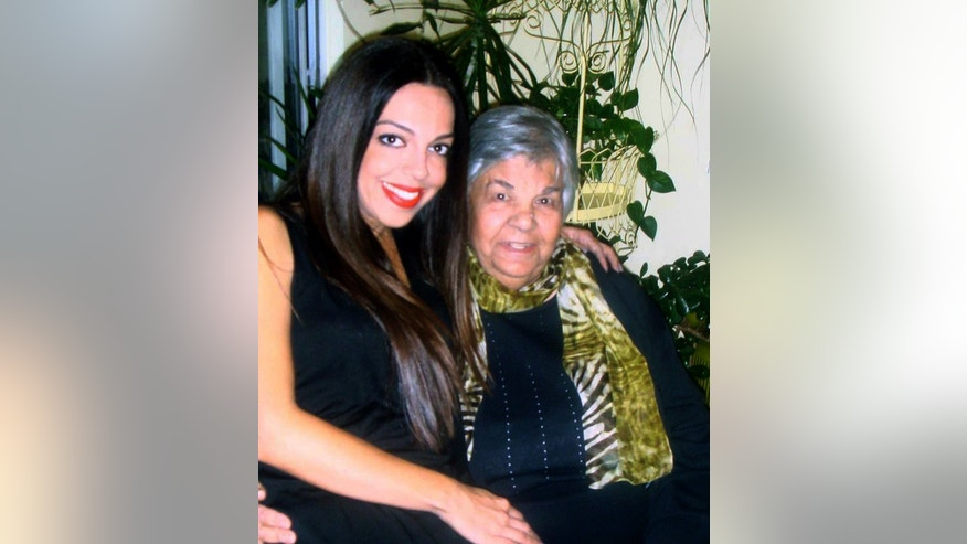 Lisa Daftari (L) and her grandmother.