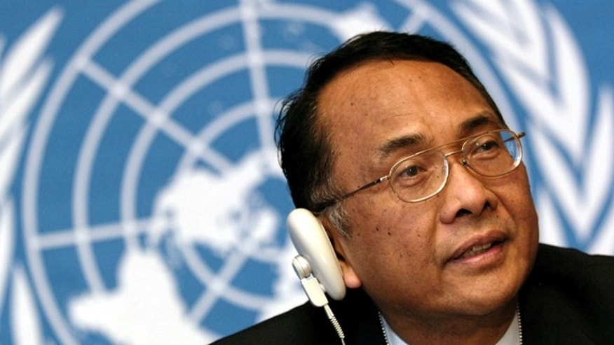 Makarim Wibisono of Indonesia, Chairperson of the 61st Session of the U.N. Commission on Human Rights speaks during a news conference in Geneva. (Reuters)