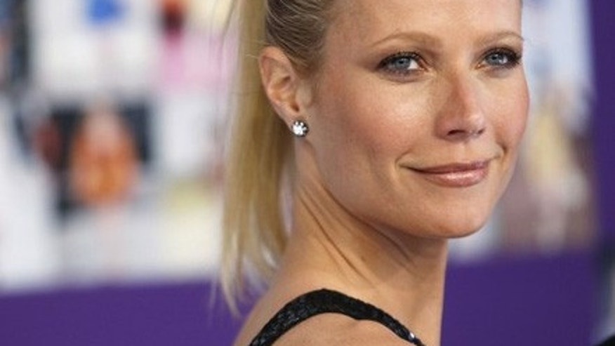 Actress Gwyneth Paltrow arrives to attend the Council of Fashion Designers of America (CFDA) fashion awards in New York June 7, 2010.