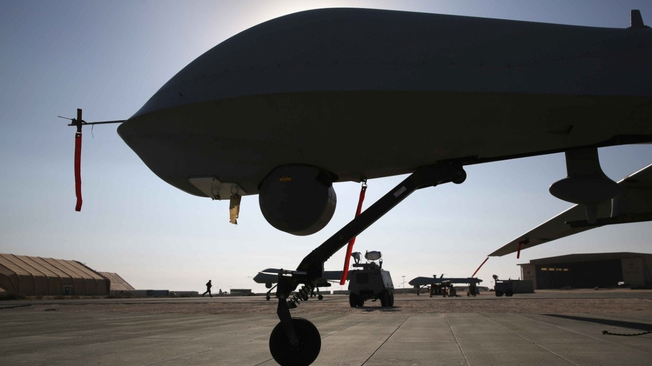 mq 1b predator drone with Nelson Balido Mexican Cartels Patrol Border With Drones And Us Has No Response on 4 Keeping Track Of The Drones as well Mq 1c Gray Eagle Predator further General Atomics MQ 1 also Mq 9 Reaper Mq 9 Drone  bat Usa Army Landing 310 likewise Creech Sukhoi.