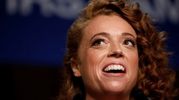 Comedian Michelle Wolf performs at the White House Correspondents' Association dinner in Washington, U.S., April 28, 2018. REUTERS/Aaron P. Bernstein - RC1FB20F4170