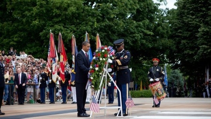President Obama lays a wreath at Arlington National Cemetery, May 25,2009. White House Photo