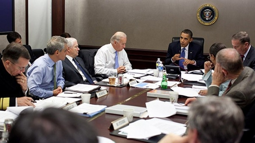 President Obama meets with national security team to discuss Afghanistan in Situation Room of the White House on Nov. 11, 2009. (White House)