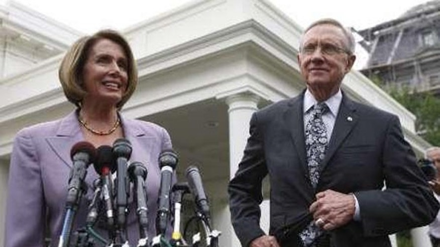 In this Sept. 8 photo, House Speaker Nancy Pelosi and Senate Majority Leader Harry Reid talk about health care reform in Washington. (Reuters Photo)